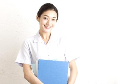 女性歯科医師